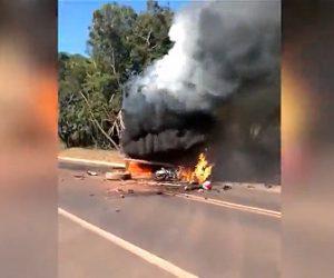 【動画】レース中のバイクが猛スピードで大型トラックに突っ込み炎上してしまう衝撃映像
