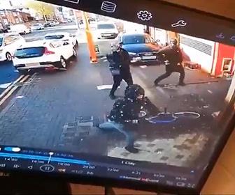 【ギャング抗争】ギャングが店を襲い銃を撃ちまくる衝撃映像