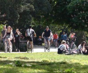 【衝撃】新型コロナでロックダウン中に公園で休日を満喫するロンドン市民がヤバい