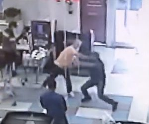 【発砲】スーパーマーケットでマスクをしていない男が警備員に止められるが男は警備員に殴りかかり…