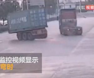 【事故】セミトレーラーが猛スピードで右折するがトレーラーが外れてしまう衝撃映像
