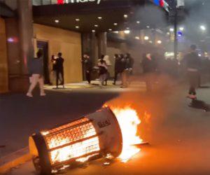 【衝撃】アメリカ、マンハッタンで略奪行為が相次ぎカオス状態に!