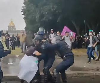 【衝撃】パリで医療従事者がデモ デモ隊と警察が激しい激突
