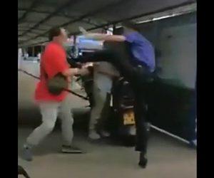 【喧嘩】おじさん2人が激しい喧嘩。足を掴んで投げ飛ばし関節を極める衝撃映像