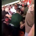 【衝撃】取っ組み合いの喧嘩をする男性2人を一瞬で止める方法