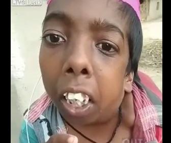 【衝撃】インド人女性の歯並びがヤバすぎる
