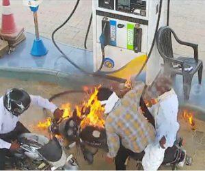 【衝撃】ガソリンスタンドで給油中のバイクに火が付き燃えてしまう衝撃映像