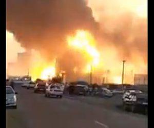 【衝撃】ガソリンスタンドで火事が起こり大爆発してしまう衝撃映像