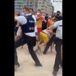 【乱闘】ライフガードが若者たちを注意するが大乱闘になってしまう衝撃映像