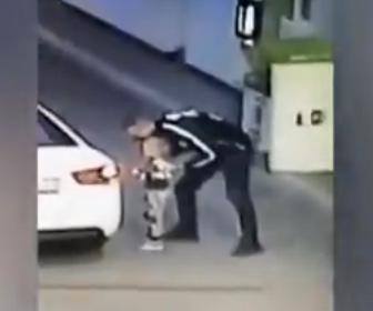 【衝撃】ガソリンスタンドで4歳の少女が車に連れ込まれ男に誘拐されてしまう衝撃映像