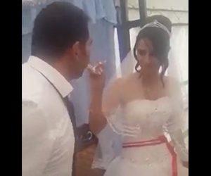【衝撃】結婚式で新婦が新郎にケーキを食べさせようとするが…