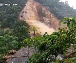 【災害】大雨で大規模な地すべりが発生し濁流が村に押し寄せてくる衝撃映像