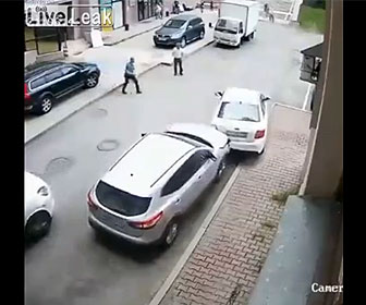 【衝撃】おばあちゃんが車の試乗をするが…
