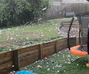 【衝撃】オーストラリアで巨大な雹が降る映像が凄い