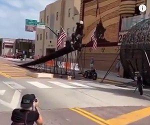 【衝撃】バイクで大ジャンプの練習中、ジャンプ台から落下してしまう衝撃映像