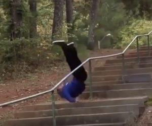 【衝撃】スケーターが階段の手すりを滑り降りるが…