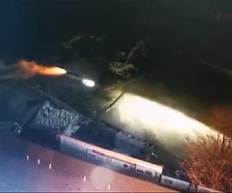 【衝撃】飲酒運転の車が高速道路から落下し8m下の建設現場に突っ込む衝撃映像