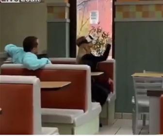 【衝撃】彼女が見ているVRに嫉妬する彼氏が面白い