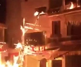 【衝撃】騒音トラブルで隣人の家に火炎瓶を投げつける衝撃映像