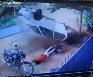 【事故】シートベルトをしていない6人が乗る車が猛スピードで横転し…