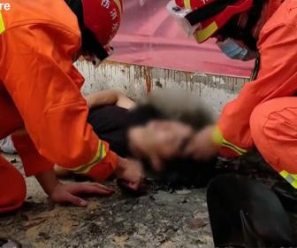 【衝撃】酔っ払い駐車場の脇で眠ってしまった男性に悲劇が…