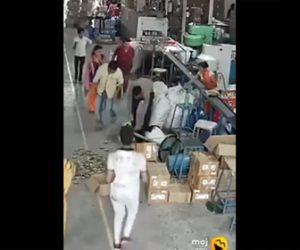 【衝撃】工場で女性の髪の毛がファンに絡まってしまう衝撃映像