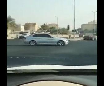 【衝撃】赤信号を猛スピードで走り抜ける衝撃映像
