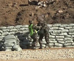 【衝撃】新兵が訓練で手榴弾を投げるが足元に投げてしまい…