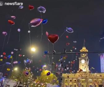 【衝撃】中国武漢で新年を祝うカウントダウンイベントに数千人が集まる衝撃映像