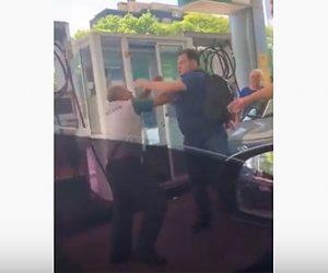 【暴行】男がガソリンスタンドでスタッフと激しい殴り合い