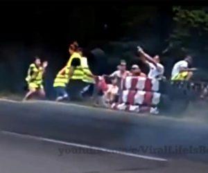 【事故】レースカーのタイヤが外れ観客に直撃する衝撃映像