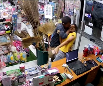 【暴行】女性店員に万引き男が襲いかかり、駆け付けた女性店員の彼氏が…