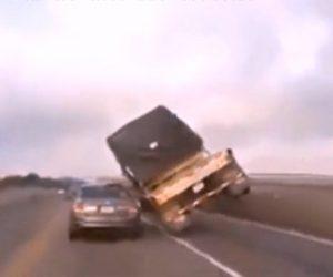 【衝撃】奇跡的に事故を回避する動画集