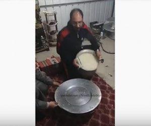 【衝撃】男性が鍋にできたお米料理を皿に乗せようとするが手が滑り…