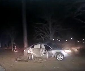 【衝撃】猛スピードで警察車両から逃げる車が木に激突してしまう