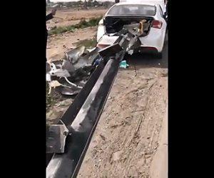 【事故】猛スピードでガードレールに突っ込みガードレールが車を貫通する