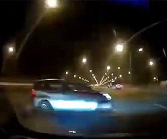 【事故】タイのストリートレースで猛スピードの車がコントロールを失い壁に激突炎上する衝撃映像
