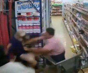 【戦い】3人の強盗VS巨漢店主 必死に逃げる強盗に巨漢店主が襲いかかる衝撃映像