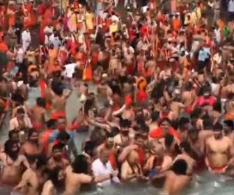 【衝撃】コロナ感染拡大中、1日16万人新規感染のインドで数百万人が集まる宗教祭が行われる