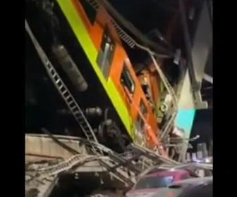【事故】鉄道の高架橋崩落、列車が落下する衝撃事故映像。23人死亡・70人けが…