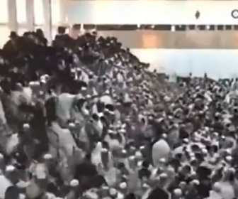 【崩壊】ユダヤ人の休日にシナゴーグスタンド崩壊、100名以上が落下してしまう衝撃映像