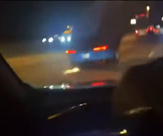 【事故】高速道路で前を走るトラックのタイヤが外れ、後続車が…