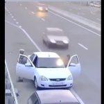 【事故】路肩に車を止め、ドアを開けて出ようとした瞬間、猛スピードの後続車が…