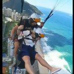 【衝撃】パラグライダーをしている女性が気持ち悪くなり上空で吐いてしまう衝撃映像