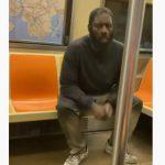 【動画】地下鉄に乗っている薬物中毒者、動きが怖すぎる