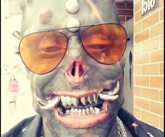 【動画】身体改造で悪魔になった男性の外見が怖すぎる