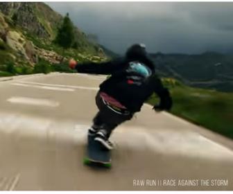 【動画】山道を猛スピードで滑り下りるスケーターが凄すぎる