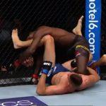 【動画】総合格闘技UFCの試合で下の状態から相手を殴り倒す