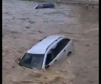 【動画】西ヨーロッパで記録的な大雨。濁流に車が次々と流される衝撃映像