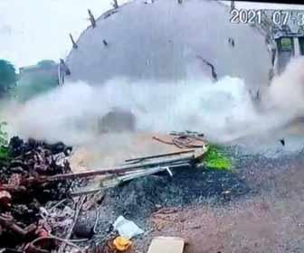 【動画】インドで貯水タンクが突然崩壊してしまう衝撃映像